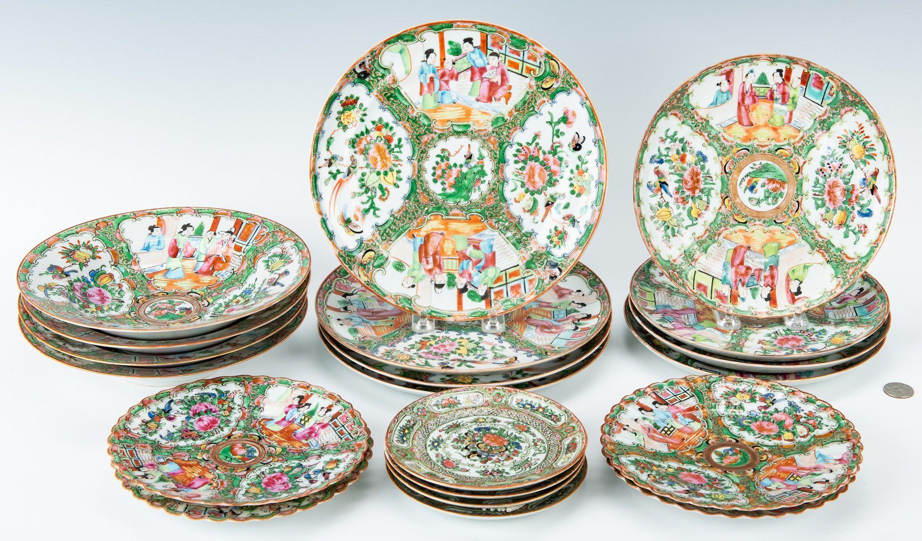 Lot 14: Chinese Export Rose Medallion Porcelain, 20 pcs.