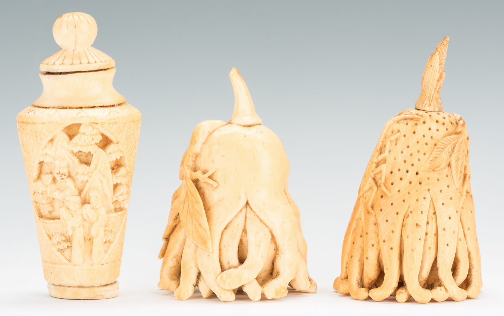 Lot 181: 3 19th Cent. Chinese Snuff Bottles