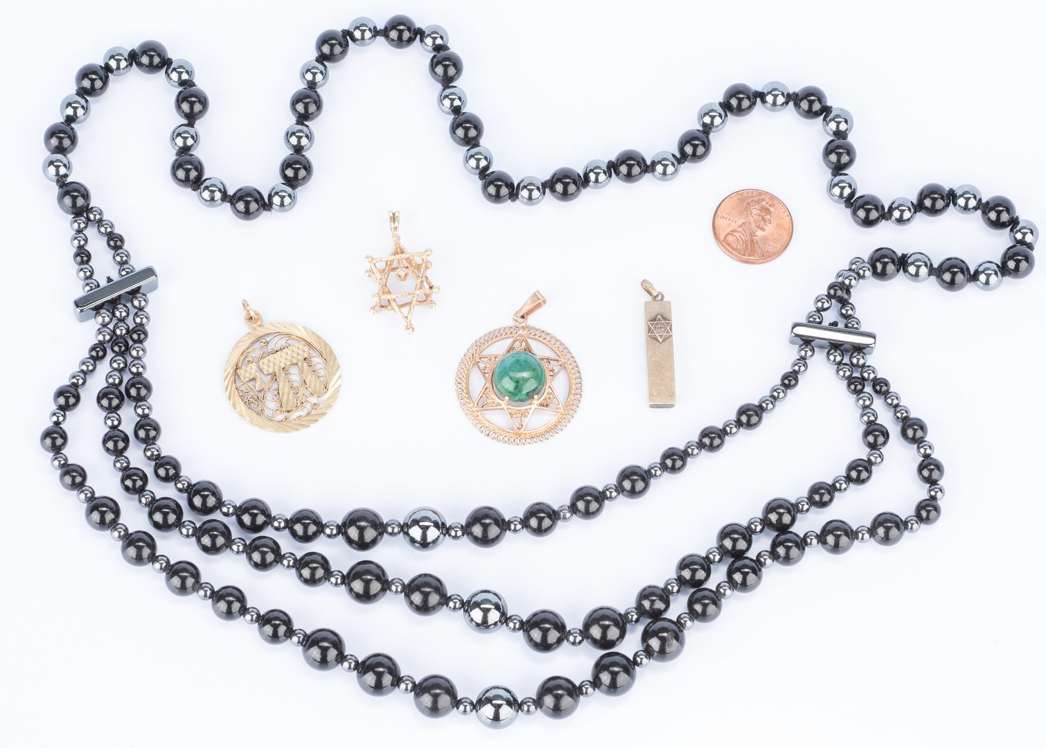 Lot 35: Group of 5 Lady's Jewelry, inc. Judaica