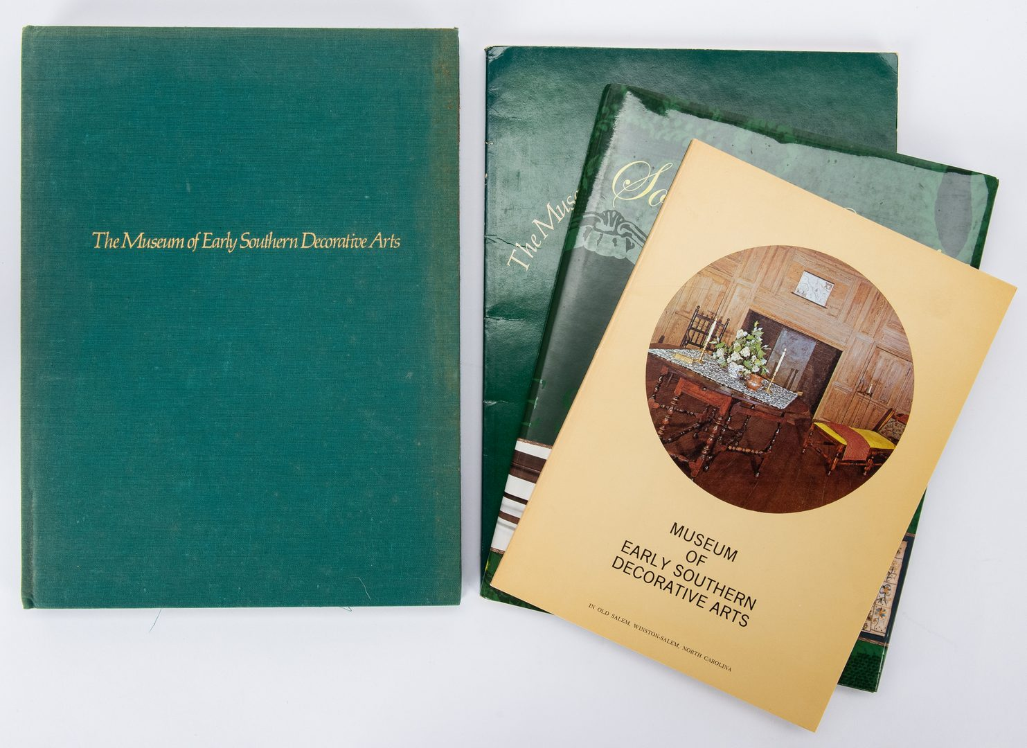 Lot 373: 26 Books on Southern Dec. Arts, inc. MESDA