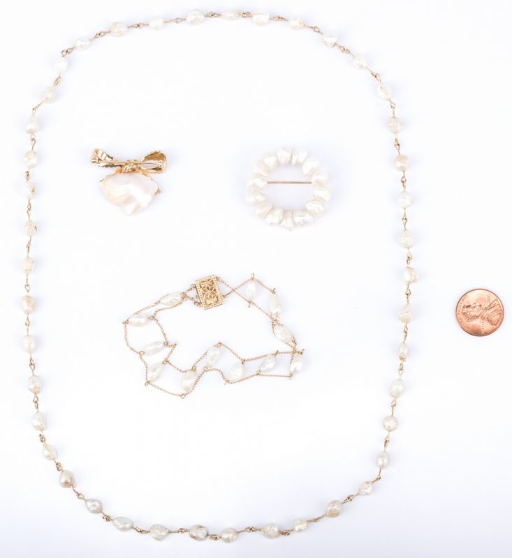 Lot 37: 4 TN Pearl and Gold jewelry Items