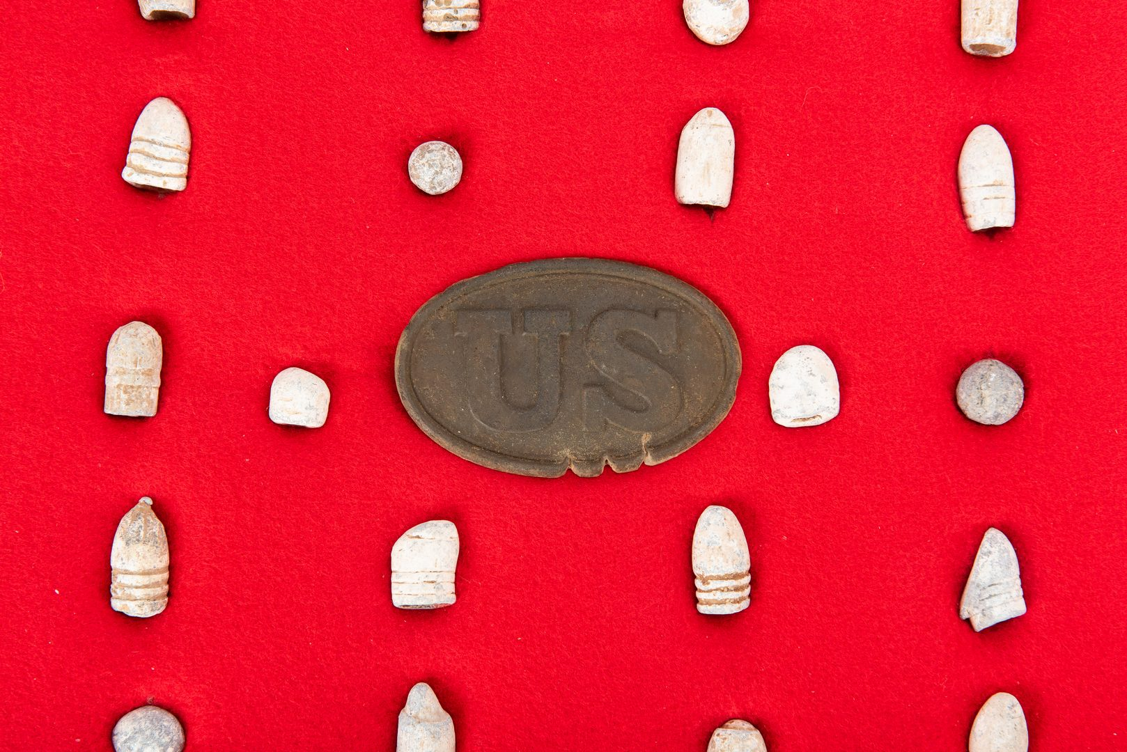 Lot 394: 35 Civil War era Relics, inc. US Belt Buckle