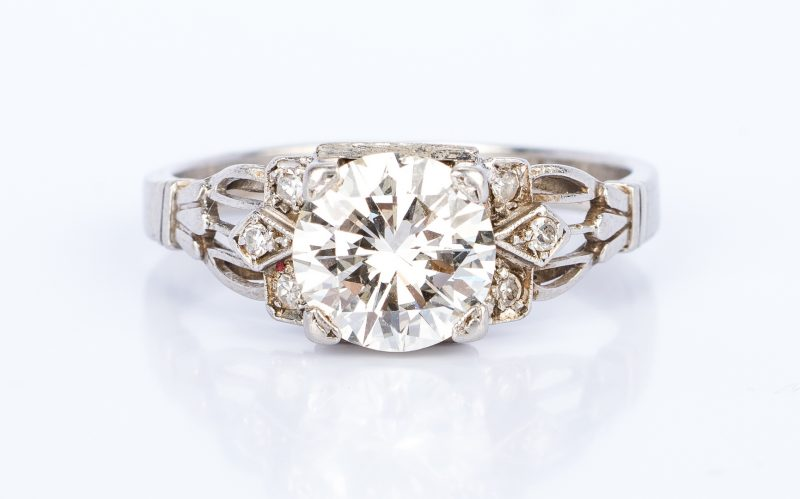 Lot 172: Vintage 1.64 ct Diamond Platinum Ring