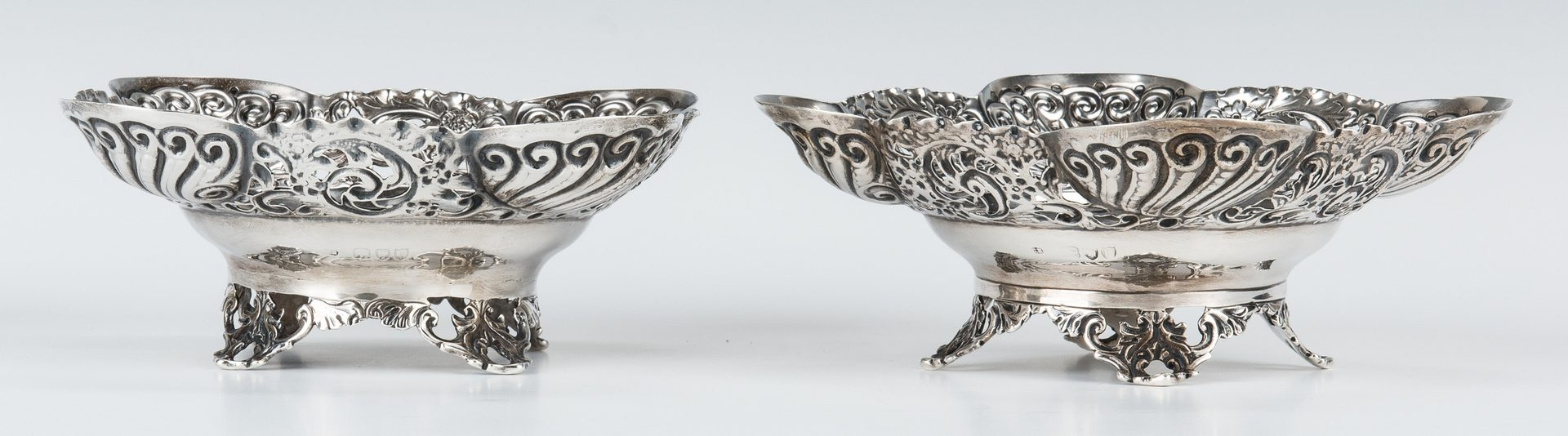 Lot 200: 3 Art Nouveau Period English Sterling Table Items