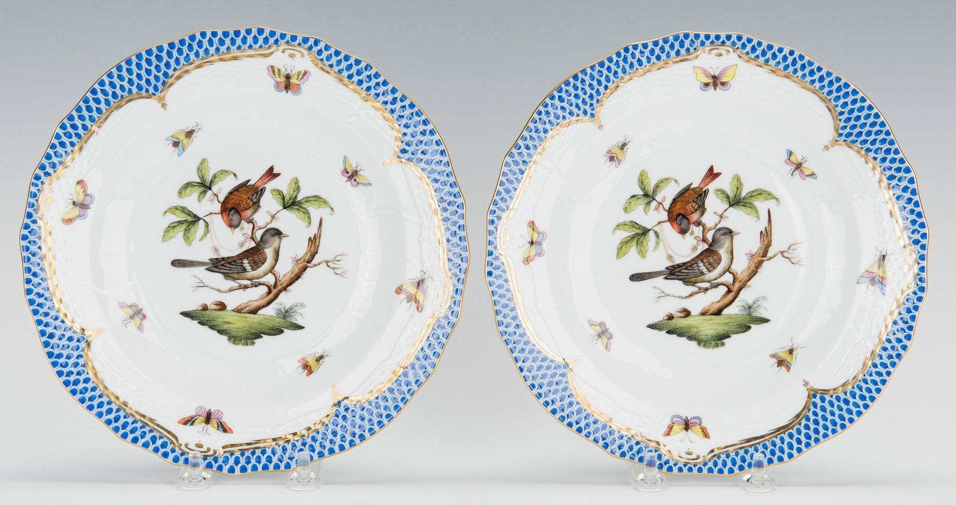 Lot 231: Herend Rothschild Bird Blue Border, 28 Plates