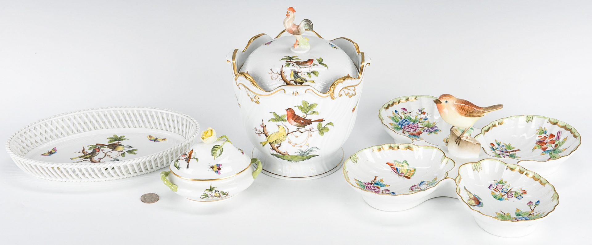 Lot 235: 5 Herend Rothschild Bird, Queen Victoria Items