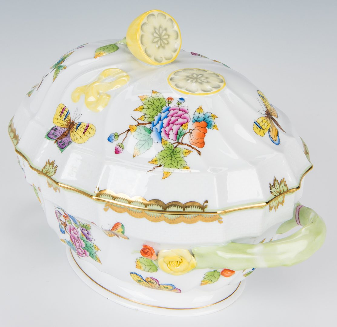 Lot 236: Herend Queen Victoria Soup Tureen and Underplate