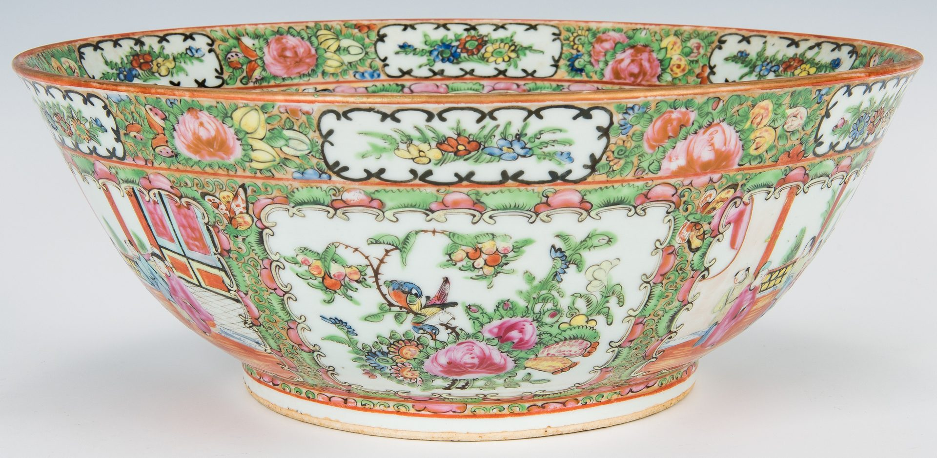 Lot 26: 5 Pcs. Chinese Export Porcelain, incl. Punch Bowl