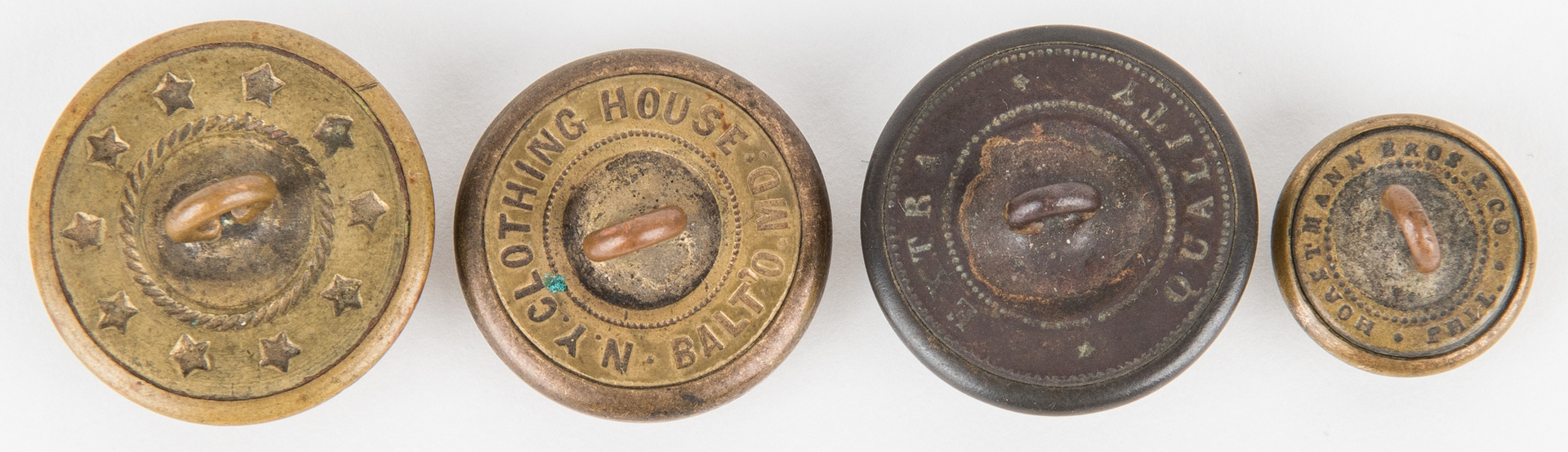 Lot 275: 19 Civil War and Later Items, incl  Belt Plate, Buttons