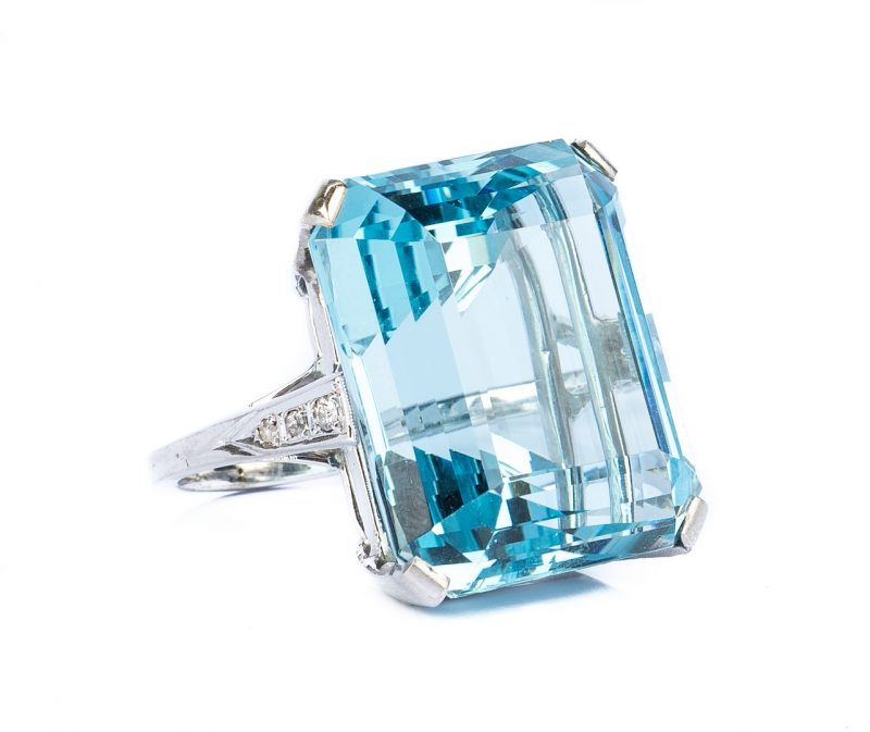 Lot 43: H. Stern 44 ct. Aquamarine & Dia. Ring, GIA