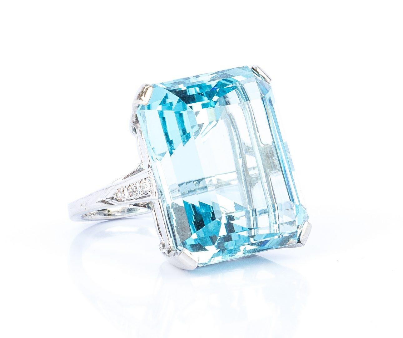 Lot 43: H. Stern 44 ct. Aquamarine & Dia. Ring, GIA