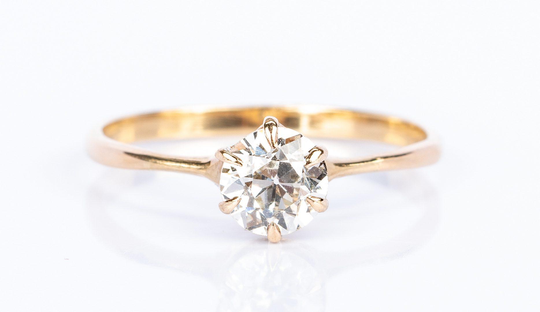 Lot 444: 1 ct Diamond Engagement Ring