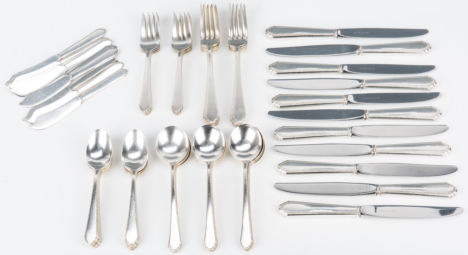 Lot 461: Lunt William and Mary Sterling Flatware, 64 pcs.