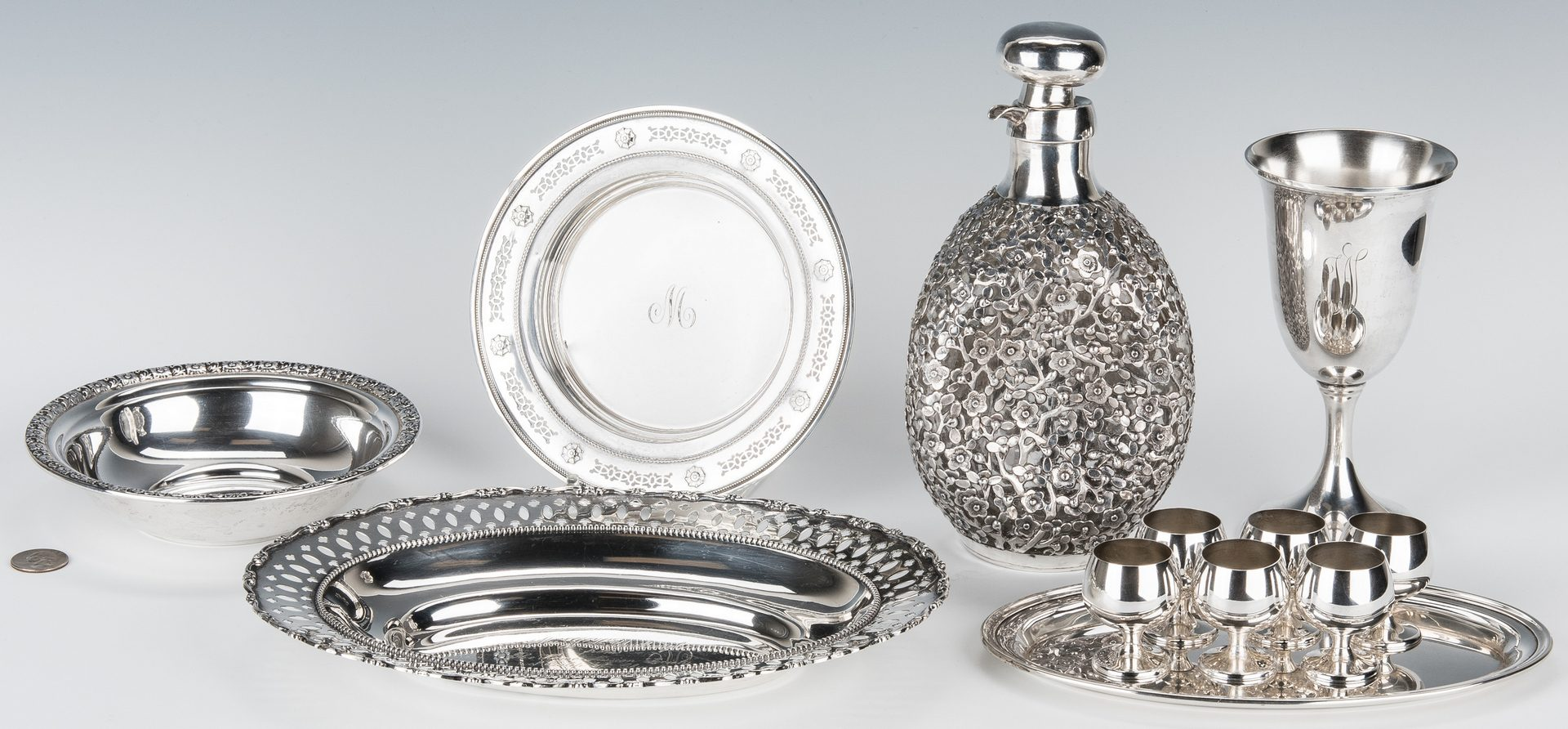 Lot 464: 12 pcs silver hollowware inc. Chinese
