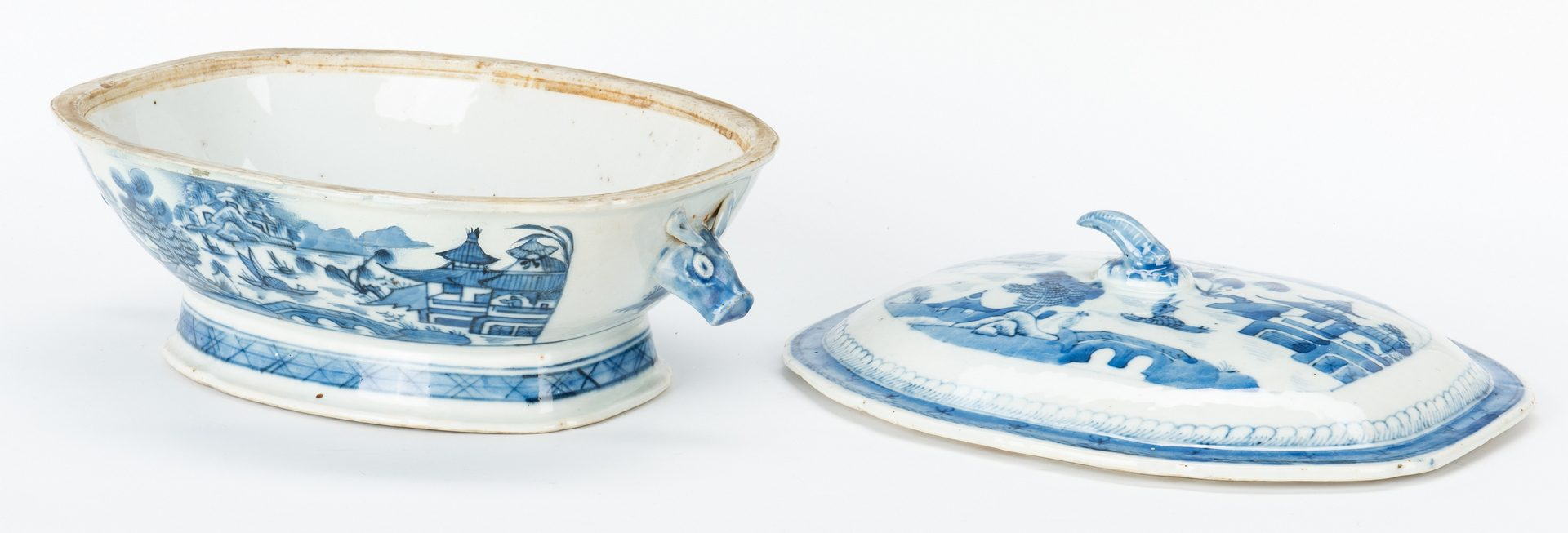 Lot 482: Large Group Chinese Blue & White Export Porcelain, 19 items