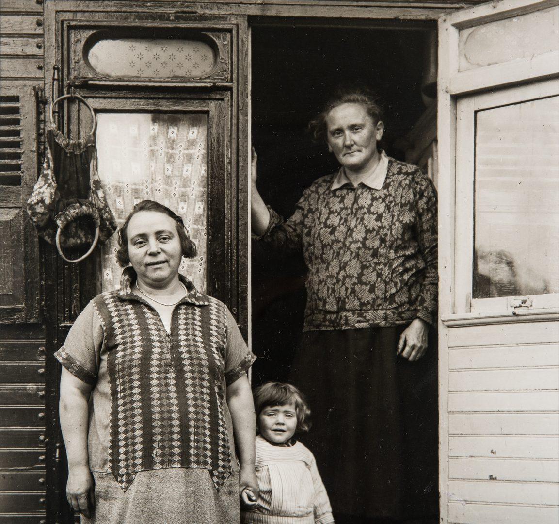 Lot 550: 2 August Sander Gelatin Silver Prints: Circus, 3 Generations and Small Town People