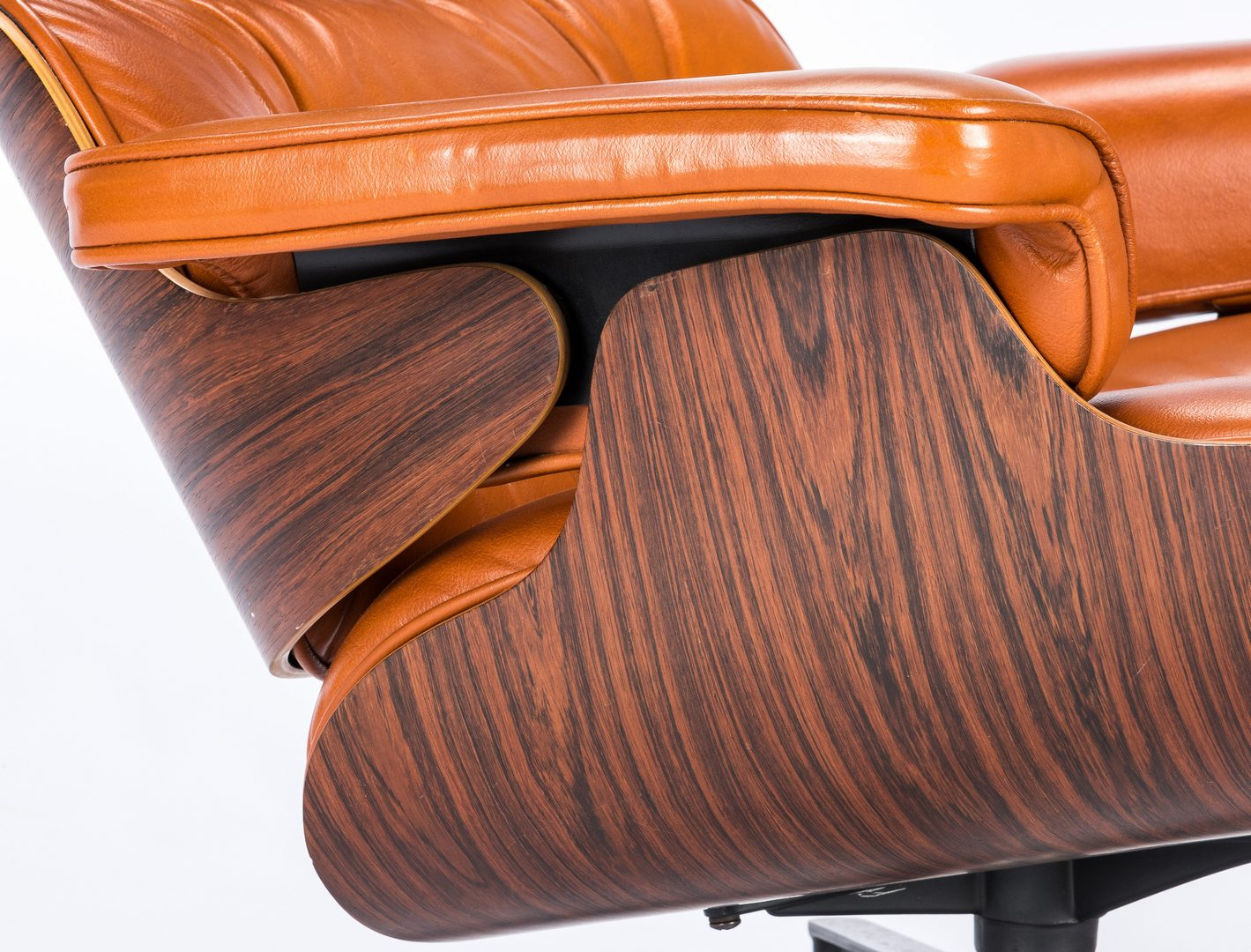 Lot 559: Eames Lounge Chair & Ottoman by Herman Miller