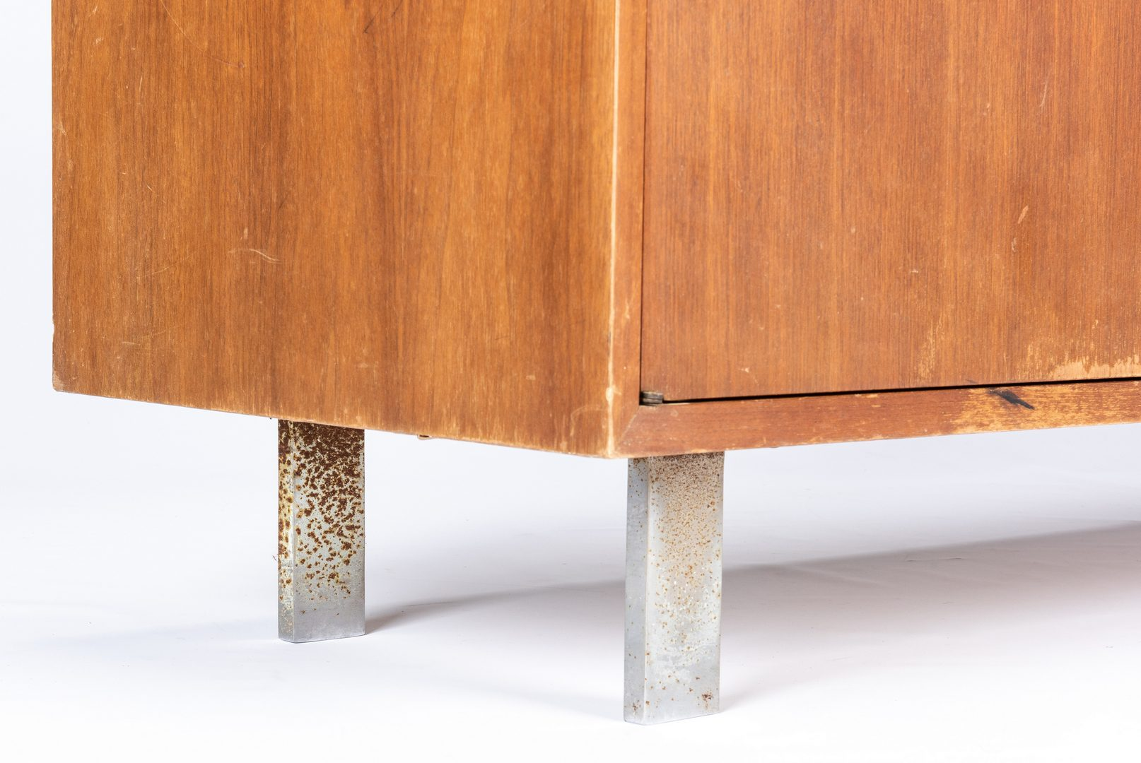 Lot 563: George Nelson/Herman Miller Chest