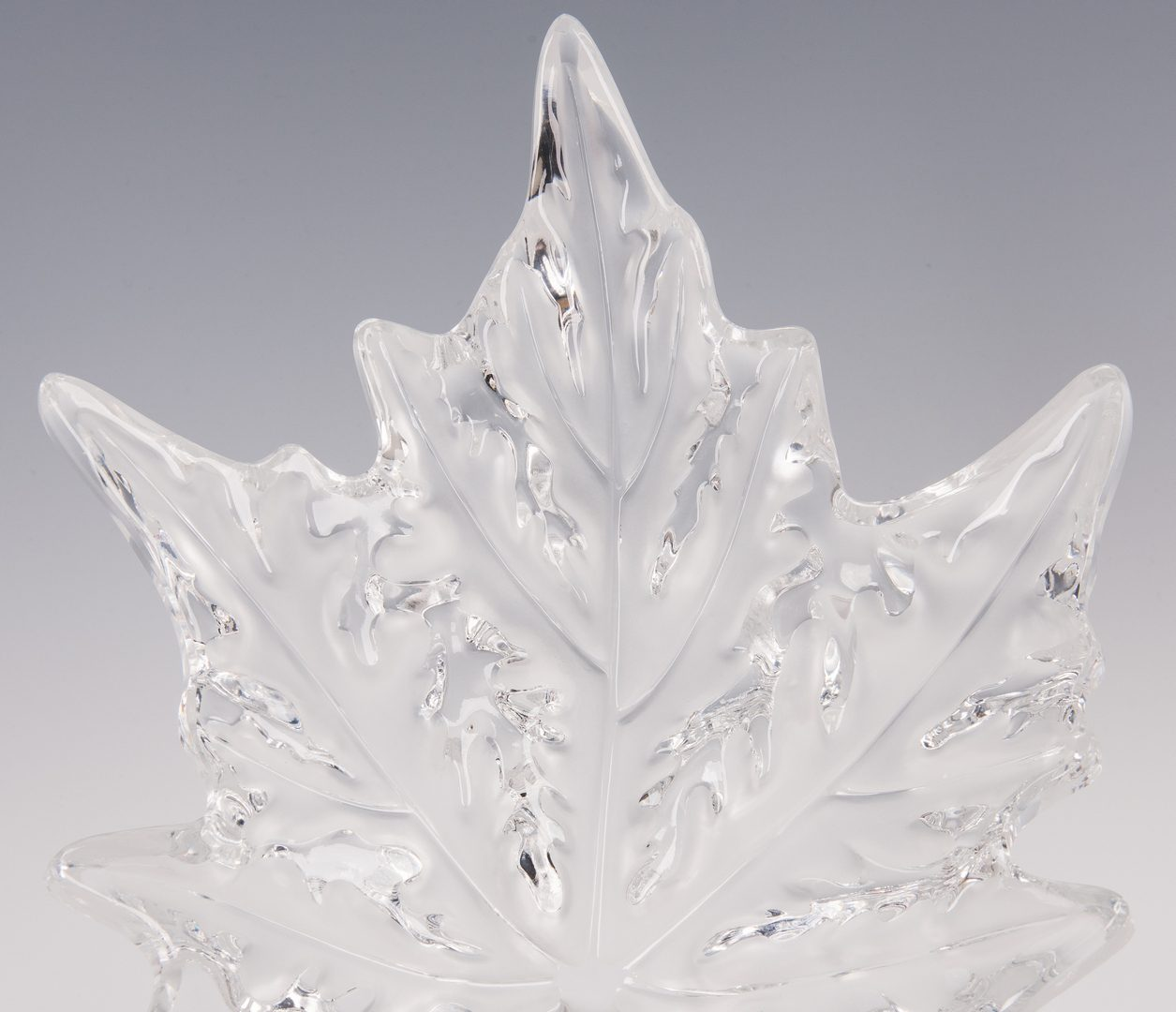 Lot 567: Lalique Champs Elysees Crystal Center Bowl
