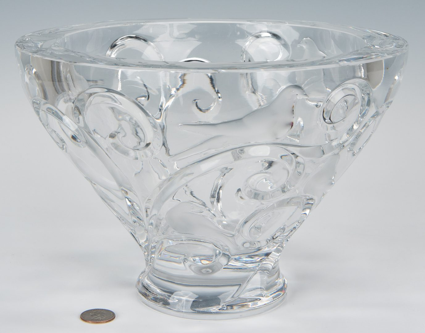Lot 569: Lalique Verone Centerpiece Bowl