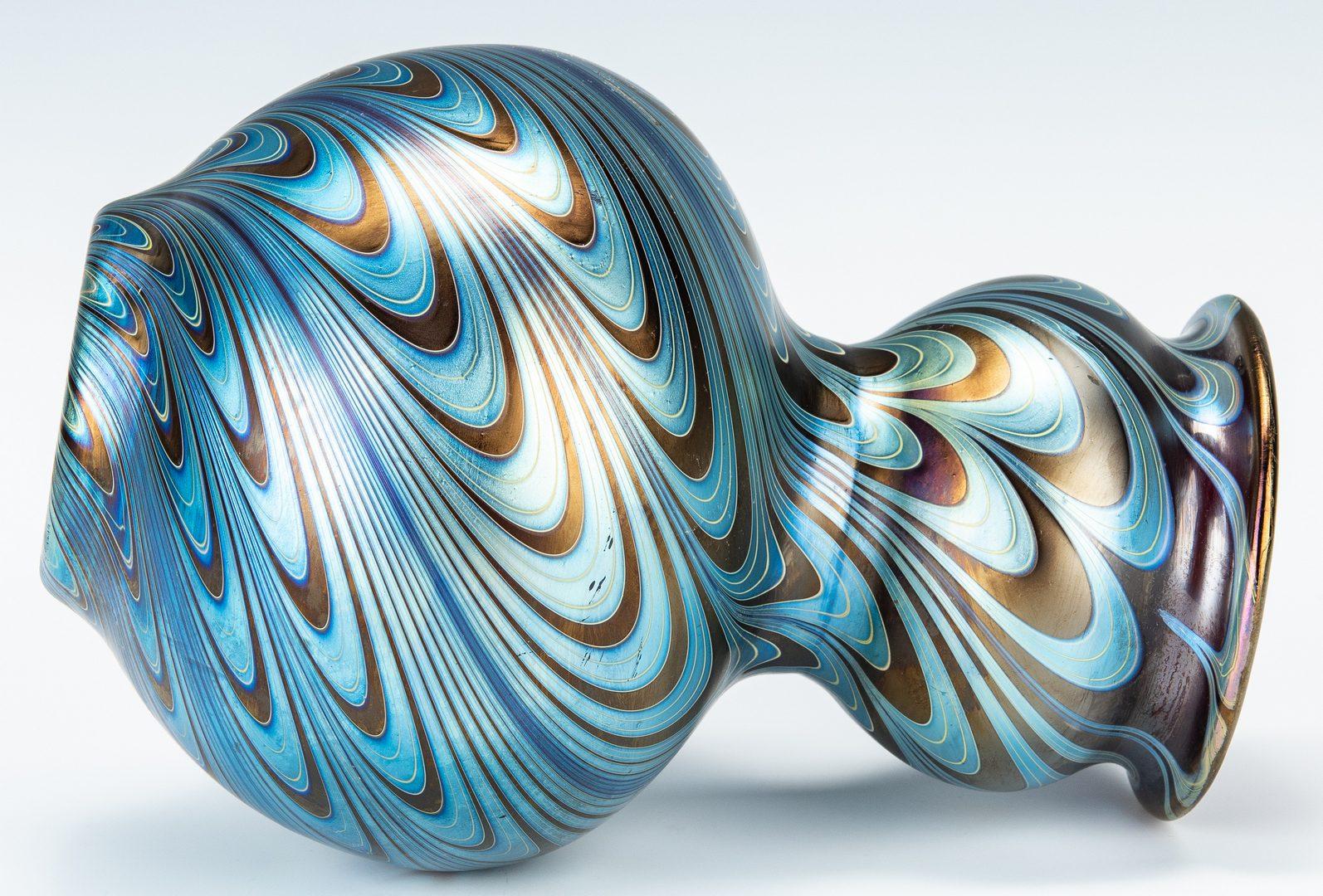 """Lot 572: Loetz Phanomen Art Glass Vase, signed """"Austria"""""""