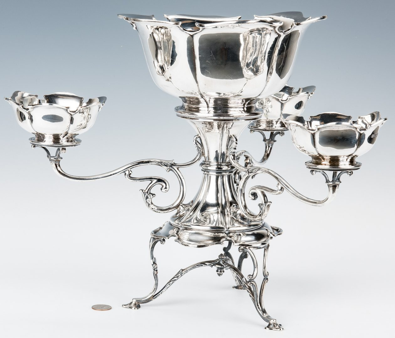 Lot 58: Hamilton & Co. British Sterling Epergne