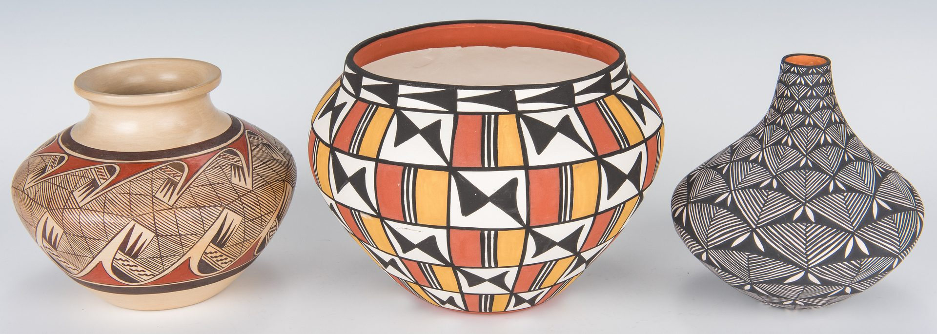 Lot 604: 6 Contemporary Native American Pottery Items