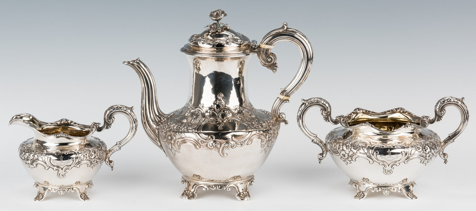 Lot 61: William IV Silver Tea Set, Barnard, 3 pcs
