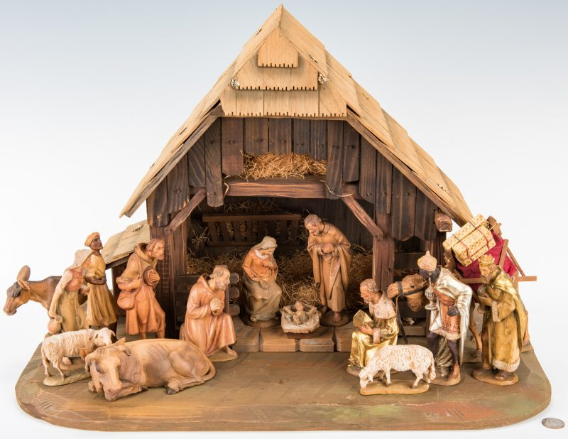 Lot 660: Italian ANRI Nativity Set, 15 Figures w/ Barn