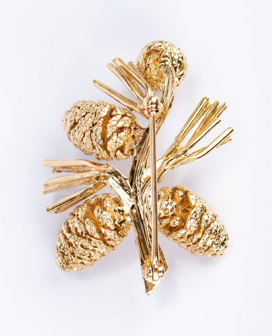 Lot 669: 3 14K Jewelry Items incl. Pinecone Pin