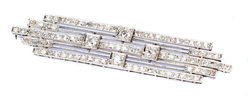 Lot 676: Art Deco Platinum Stacked Diamond Pin