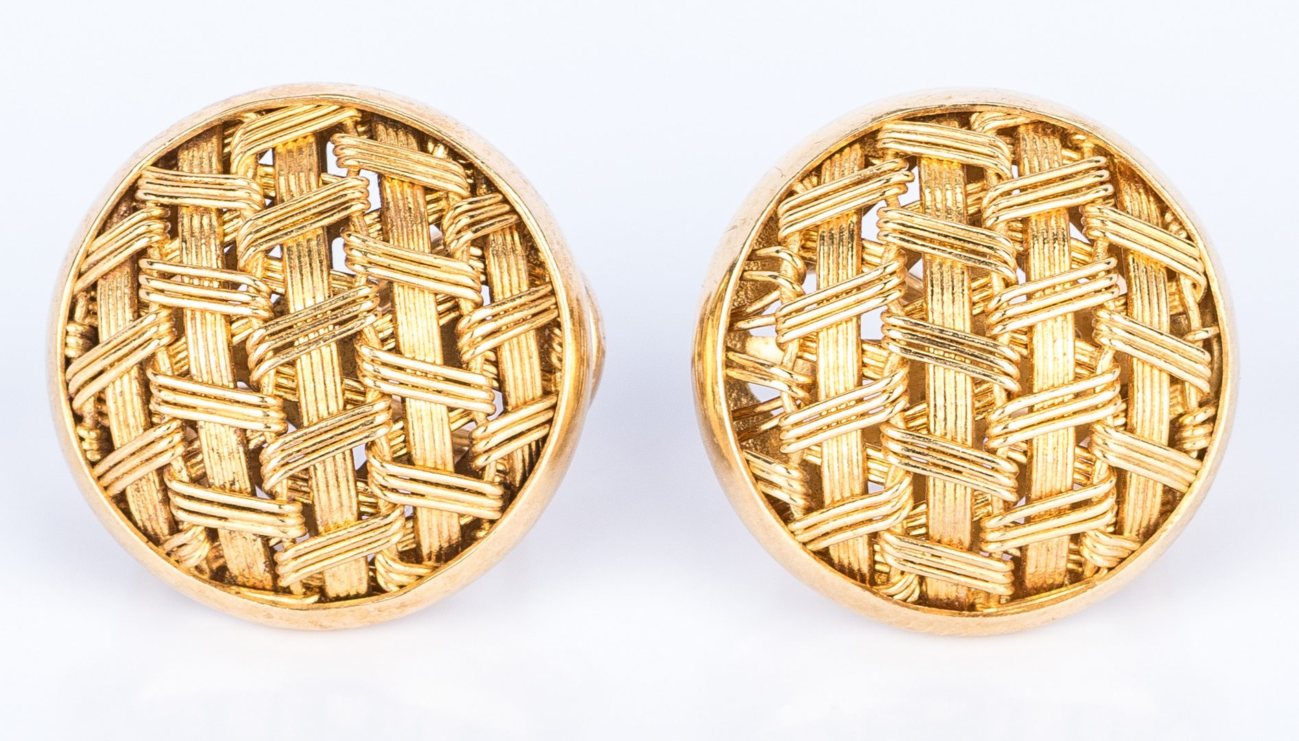 Lot 680: 4 Pairs of 14K Gold Earrings