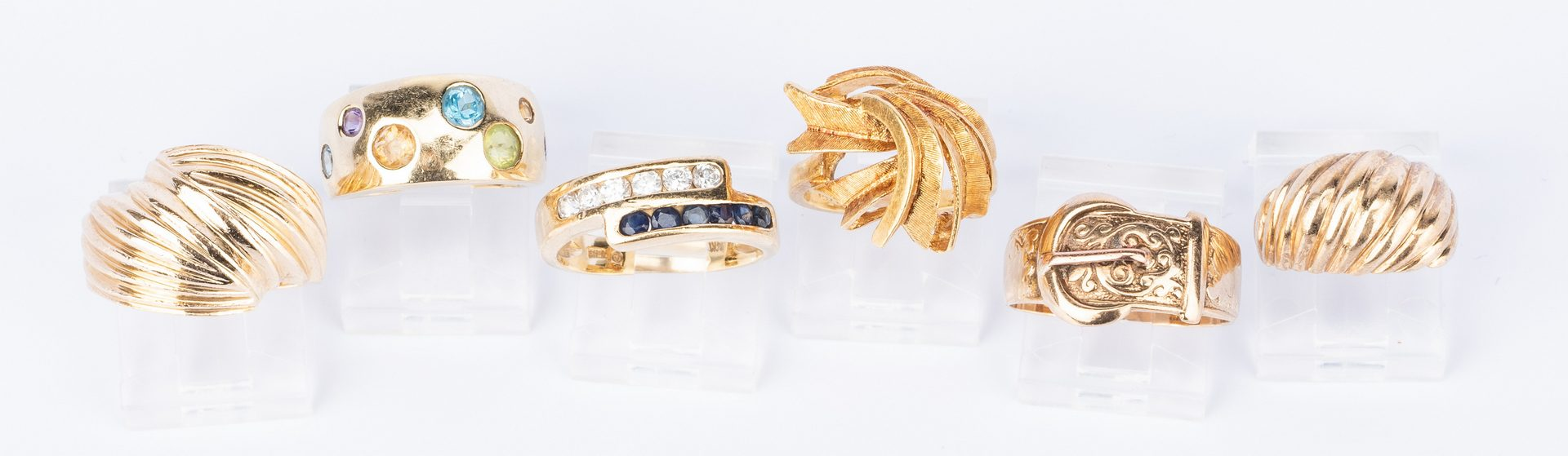 Lot 681: 6 Various Fashion and Vintage Gold Rings