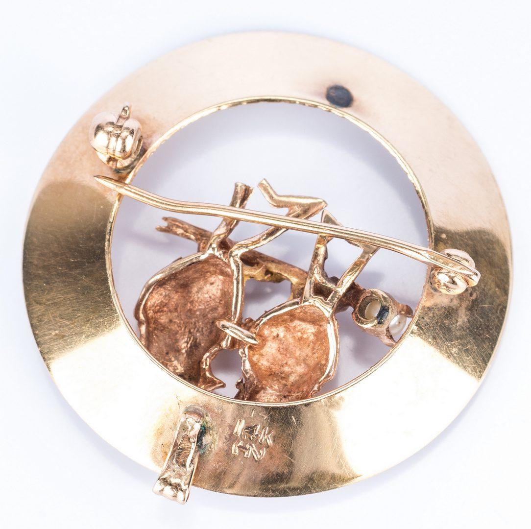 Lot 687: 5 Various Vintage 14K Pins