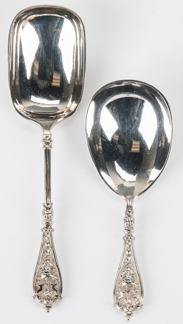 Lot 711: Cased Sterling Silver Fish Set and Tea Spoon Set