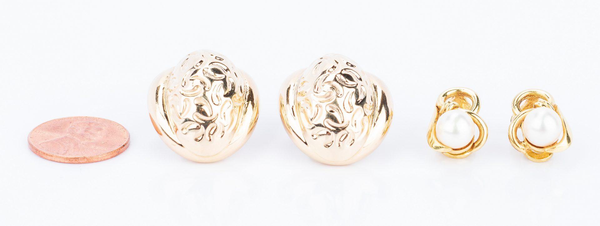 Lot 831: 2 pair 14K Italian Earrings