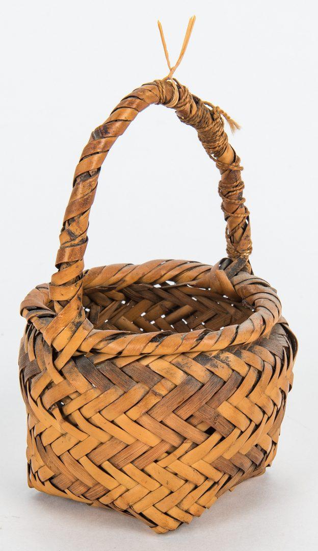 Lot 270: 5 Native American Baskets, incl. miniatures