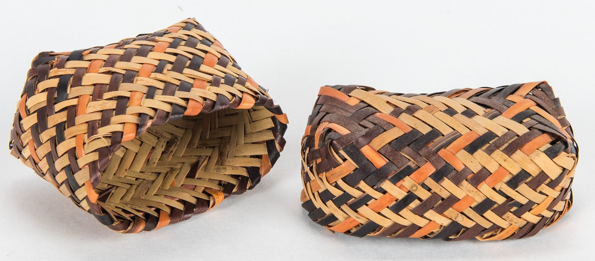 Lot 270: 5 Native American Baskets, incl. miniatures