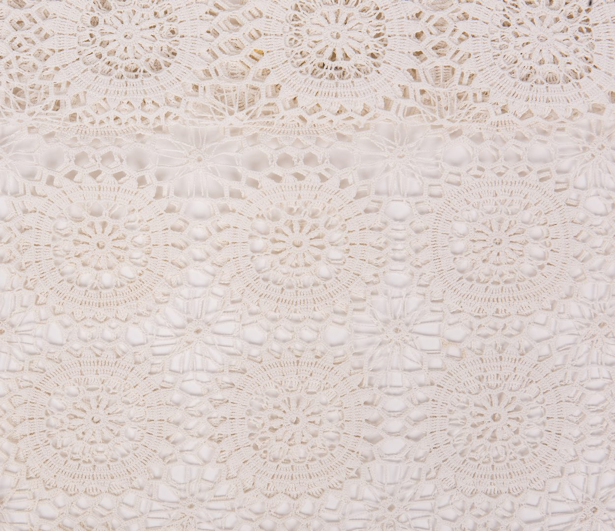 Lot 390: 5 East TN Quilts & 1 Crochet Bed Covering