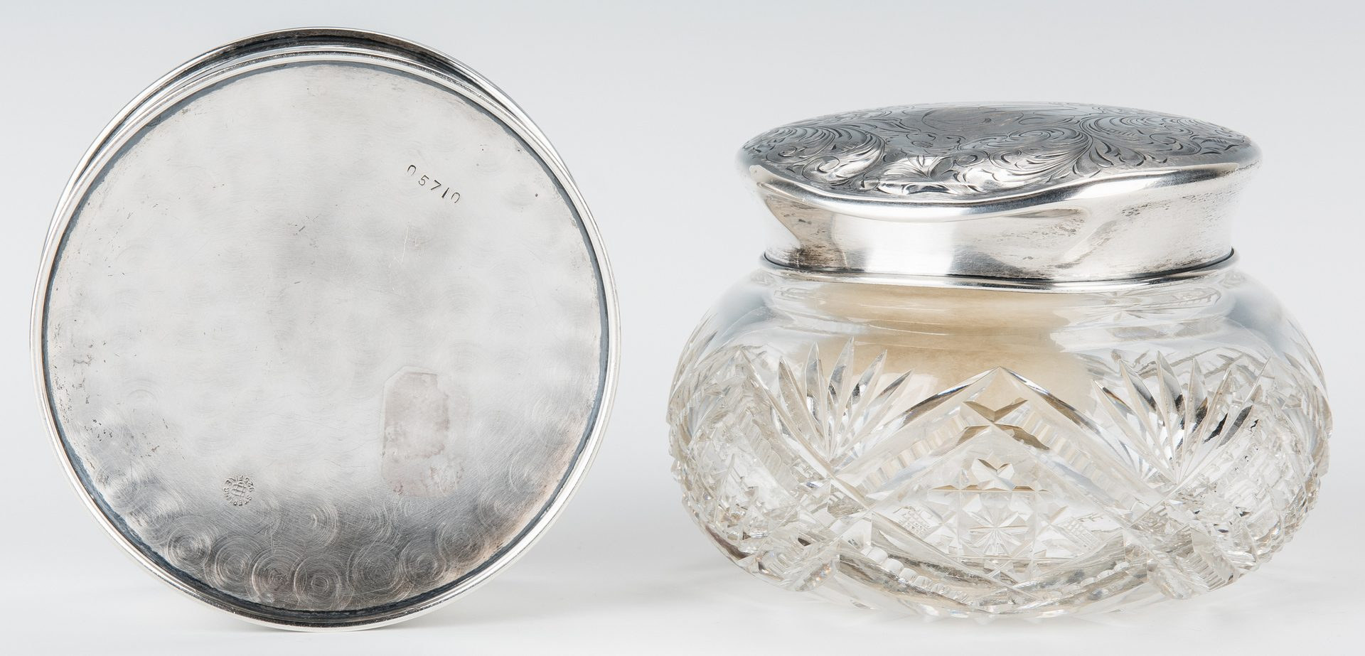 Lot 420: 7 Vanity/Fashion items, incl. Unger Sterling Box