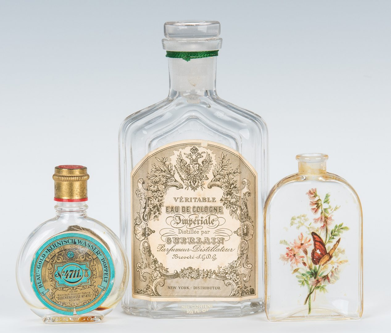 Lot 434: 21 Perfume/Cologne Bottles & Stoppers