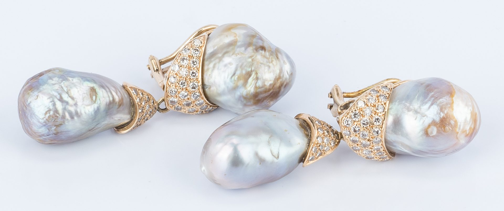 Lot 176: Dia. Baroque Pearl Necklace/Earring Set