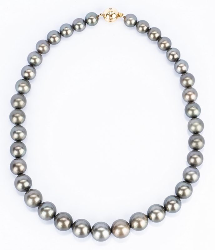 Lot 180: Grey Tahitian Cultured Pearl Necklace