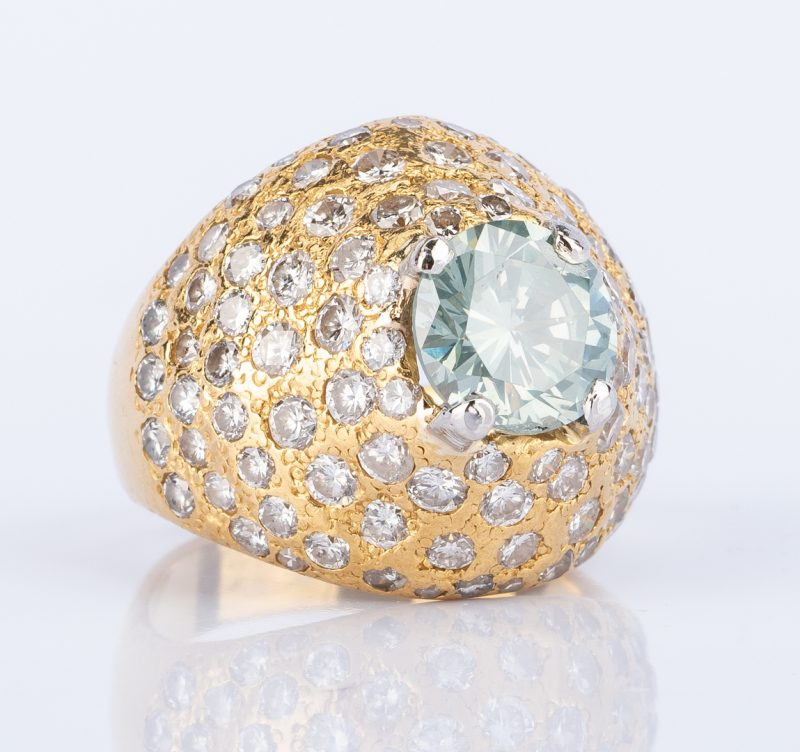 Lot 181: 21k Diamond Dinner Ring w/ treated fancy diamond