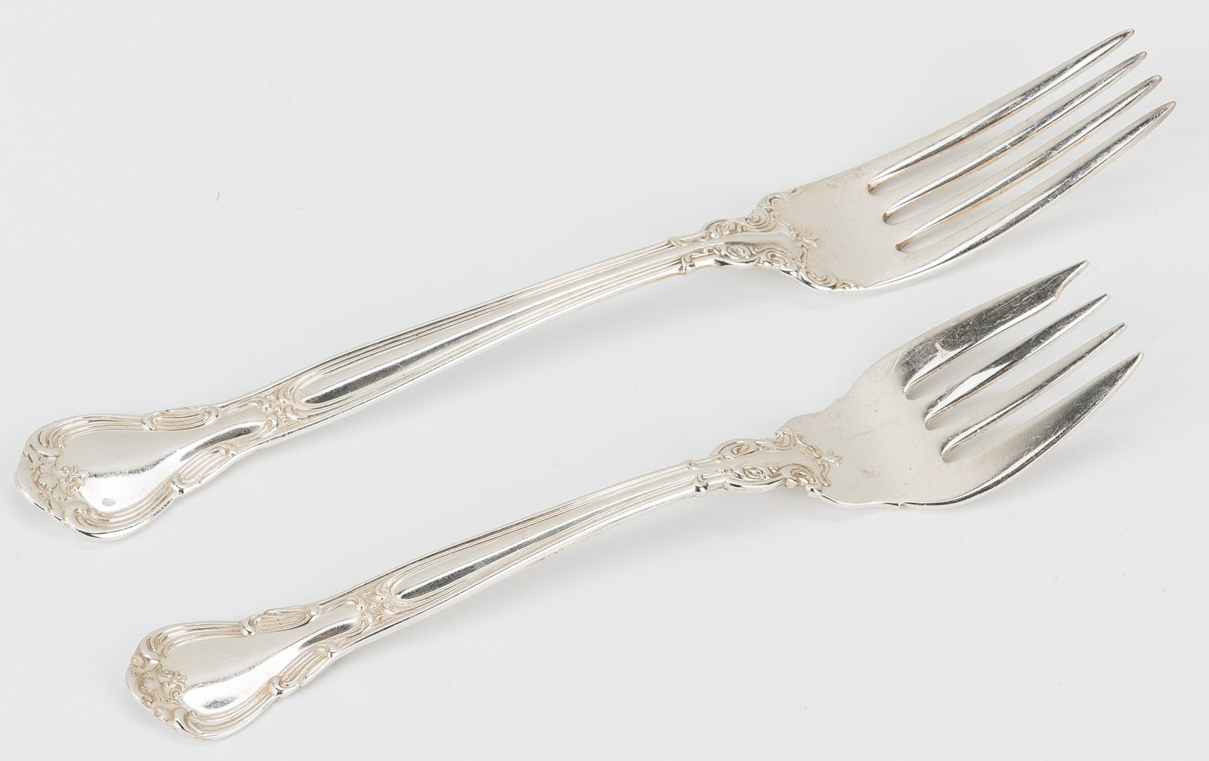 Lot 187: 132 pcs. Gorham Chantilly Sterling Flatware