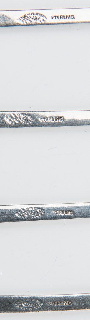 Lot 192: 87 pcs flatware incl. Lunt Modern Victorian