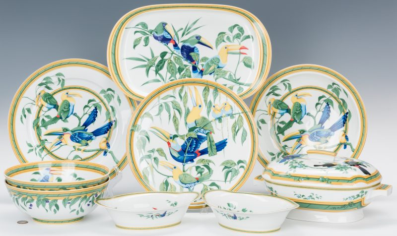 Lot 261: 9 Hermes Paris Toucans Pattern Porcelain Items
