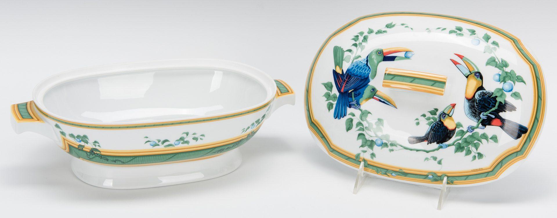 Lot 261: 9 Hermes Paris Toucans Pattern Porcelain Items