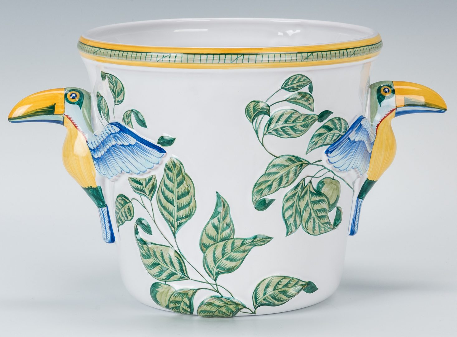 Lot 262: 13 Hermes Moustiers Faience Toucans Pattern Porcelain Items