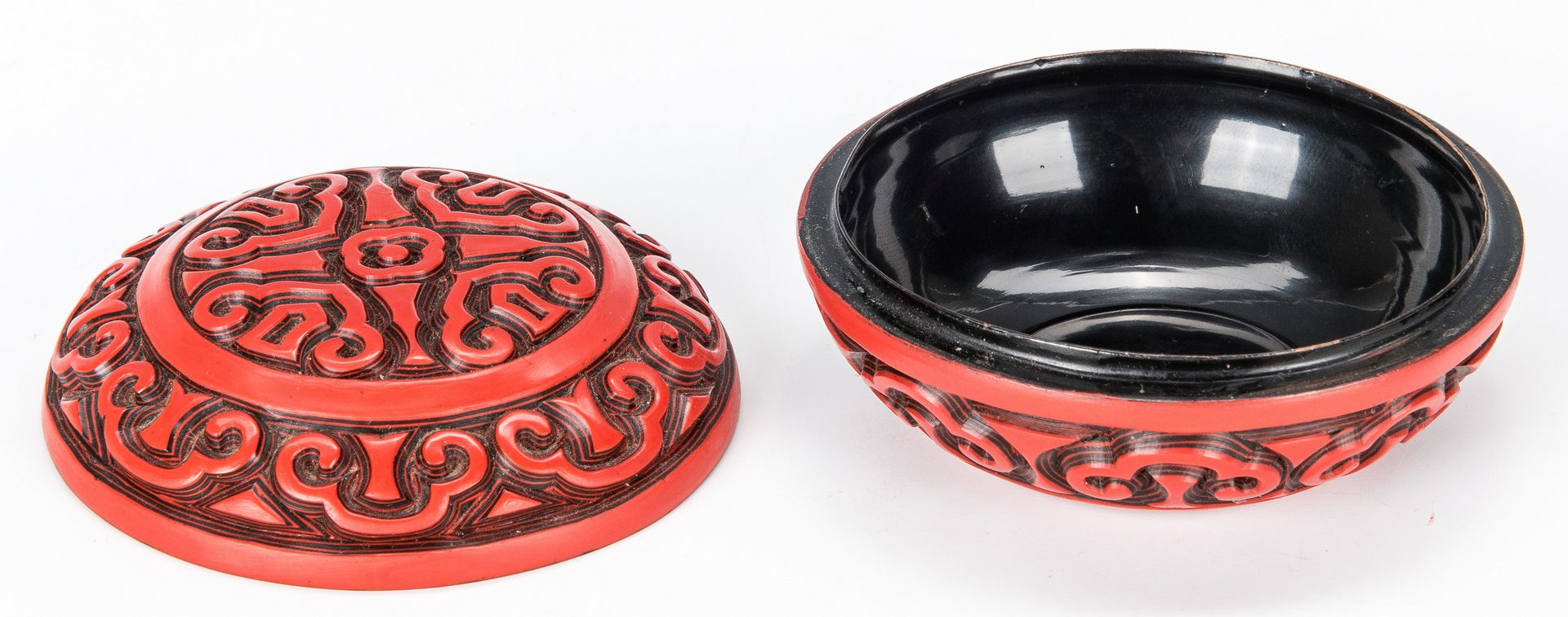 Lot 447: 3 Chinese lacquer items